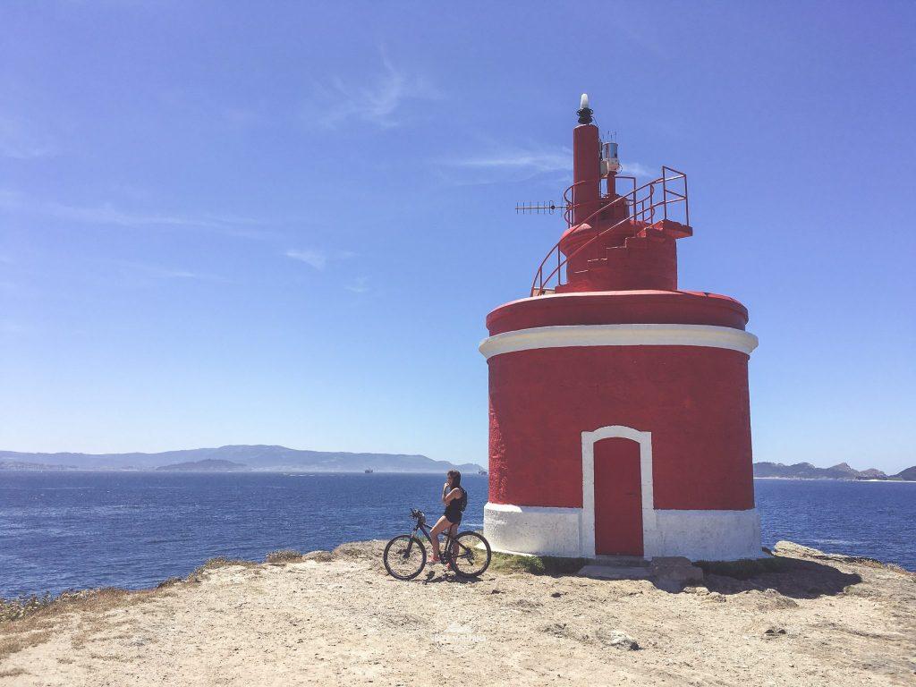 Faro Punta Robaleira, en Costa da Vela
